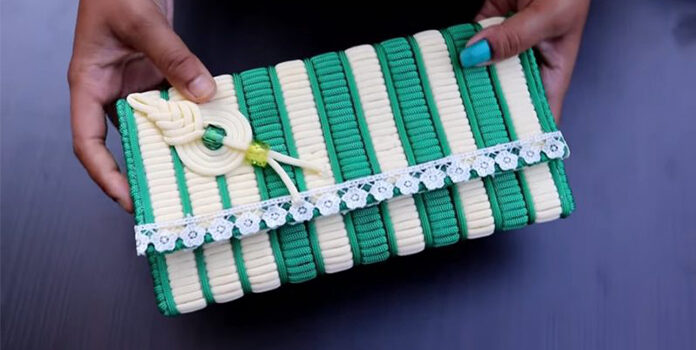 Мотузка + пластикова канва = симпатична штучка в техніці макраме