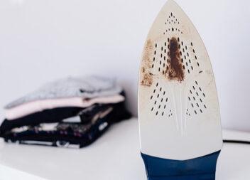 Як очистити праску в домашніх умовах: 6 способів
